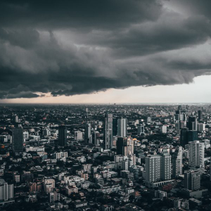 Bitcoin in the eye of a storm; Federal Reserve rates cut could spur the market