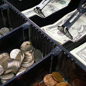 Bitcoin Cash, Cosmos, Dash Price Analysis: 12 December