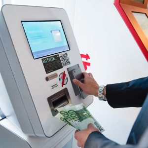 Bitcoin ATMs Grow in Number Reaching Almost 7,000 in Operation Around the World