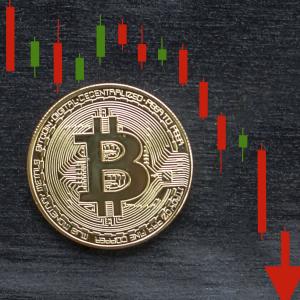 Bitcoin Slides Back to Four Figures as Crypto Markets Dump $28 Billion