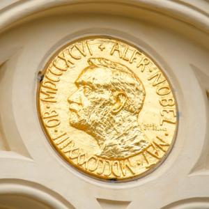 Elon Musk: Bitcoin HODLers 'Deserve A Nobel Prize'