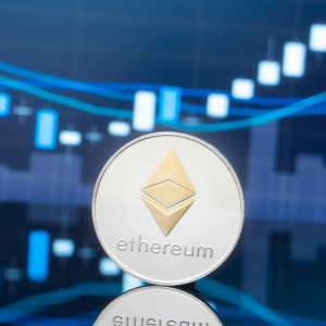 Ethereum Guns for $200 as the ETH-BTC Pairing Turns Bullish