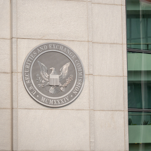 US SEC Re-Opens Infamous Bitcoin Scammer Case