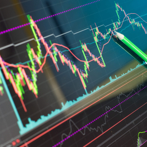 Binance Coin Price Analysis: Bulls Eye Reversal on 4-Hour Chart
