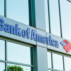 """CEO of Bank of America: """"We Want a Cashless Society"""""""