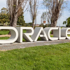 Oracle Deploy Blockchain for Tracking Origin of Honey in Partnership With the World Bee Project