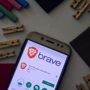 Crypto Browser Brave Hits 8 Million Users Milestone, Trumpets 'Everipedia' Partnership