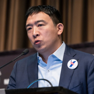 Pro-Bitcoin Presidential Candidate Andrew Yang Slams 'Onerous' Bitlicense