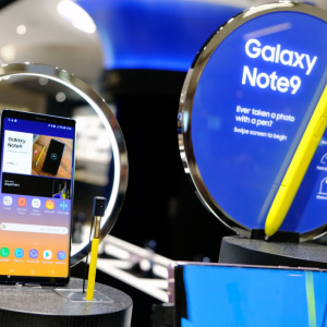 After Apple, Samsung Records a 31% Drop in Net Profits: Are Big Phone Makers in Trouble?