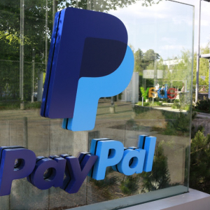 Clever Play? PayPal CEO Offers Help to Workers Hurt by US Government Shutdown