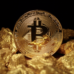 Bitcoin Outshines Gold Amid Risk Aversion in Financial Markets