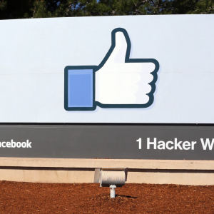 Facebook Hires Standard Chartered Bank Lobbyist for Crypto Project: Report
