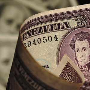 Venezuela Is a Testing Ground for Digital Dollarization (and Zelle Doesn't Like It)
