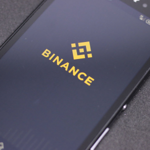 Binance Pauses Tether Withdrawals After Denying Delist Rumor