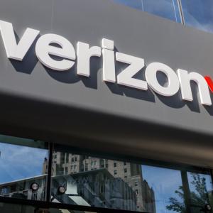Verizon Just Won a Patent to Create Virtual SIMs on a Blockchain