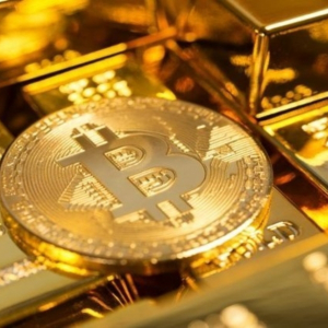 """""""Bitcoin Is Not A Safe Haven Asset…Yet"""", Analyst Debates As BTC Tests $8,000 USD"""