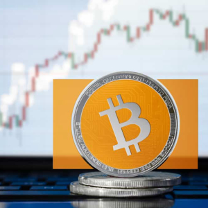 Bitcoin Cash clasped between key resistance and support after a massive 13% drop