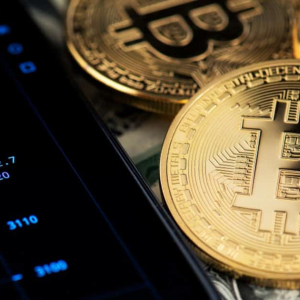 Bitcoin Unfazed by Monday's Stock Market Sell-Off, Beats Gold As A Hedge