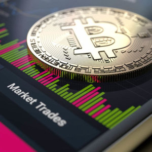 Bitcoin (BTC) Price Bound by a Symmetrical Triangle, Breakout Can be in any Direction: Analyst