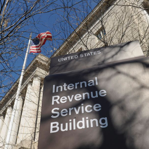 Blockchain analysis firm Chainalysis wins the IRS contract to track cryptocurrencies.