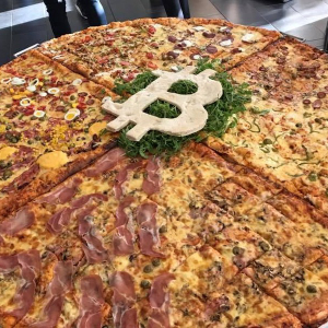 Bitcoin and Baked: Investor Tips Pizza Delivery Girl $1000