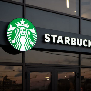 Starbucks and McDonald's are not participating in the Chinese digital yuan pilot.