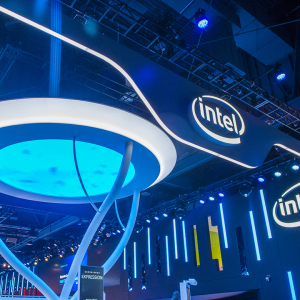 Davis Selected Advisors Prefers Intel (INTC) Stock to Microsoft (MSFT)