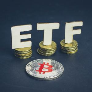 SEC Postpones Decision on VanEck/SolidX Bitcoin ETF, Bitcoin Price Reacts Mildly