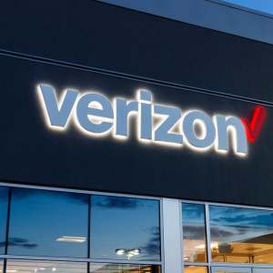 Verizon (VZ) Stock Down 1.38% Despite Upgrade to 'Conviction Buy' by Goldman Sachs