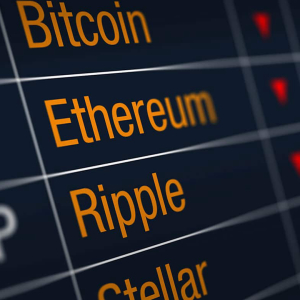 Huge Panic Grips Crypto Market: Ethereum, XRP and Other Altcoins Fall by 20-30%