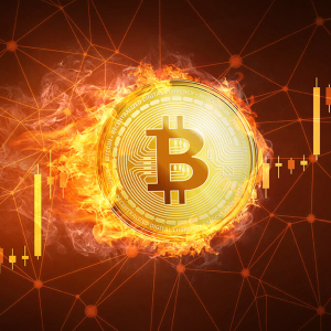 Industry Analysts and Experts Say: Bitcoin Price is in Front of a Massive Move