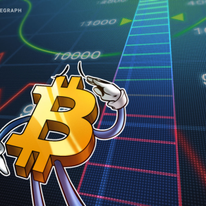 Bitcoin Price Pinned Below $8,200 as Bulls and Bears Fight for Control