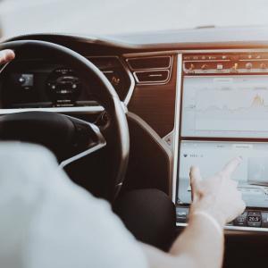 ¿Un Tesla para correr… un nodo de Bitcoin?