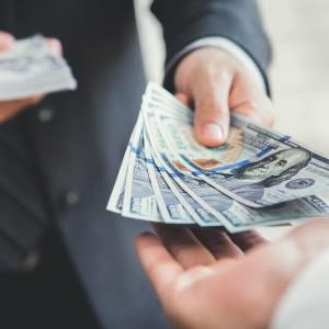 Fundador de Waves vende sus acciones de Vostok a firma financiera rusa