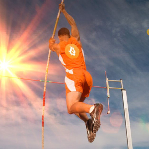 Bitcoin Regains Significant Support Level, Aims for $9,000