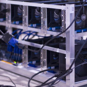 Bitcoin's Hashrate Bounces Back as Price Flirts With $10,000 Mark