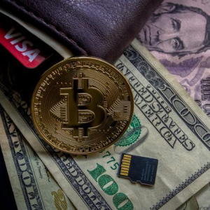 $9 Trillion Asset Manager's CIO: Bitcoin Will 'Be Part of the Investment Arena' for Years to Come