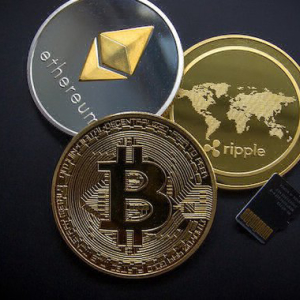 Altcoins Might Surge, As Bitcoin Dominance Drops Below 30%, Prominent Analyst Predicts