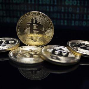 Prominent Crypto Analyst Lark Davis Says Bitcoin's Bullish Trend to Continue Into 2022