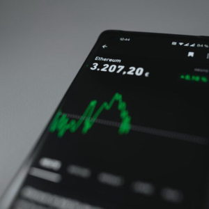 Ethereum's Price Could Hit $17,800 by 2025, Expert Panel Suggests