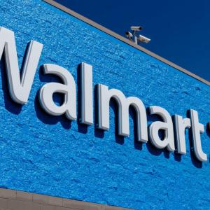 Walmart turns to blockchain for its green salad