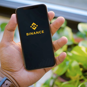 Binance App Gets Listed On Apple Store, CEO Says Was Very Difficult To Get It Done