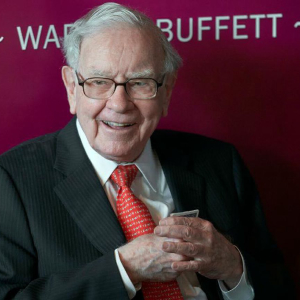 Warren Buffett's Berkshire Hathaway Raises Its Holding in E-commerce Giant Amazon