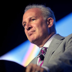 Don't confuse Bitcoin with money, Bitcoin critic Peter Schiff
