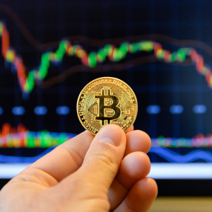 Bitcoin price to hit $13,000 after key level break