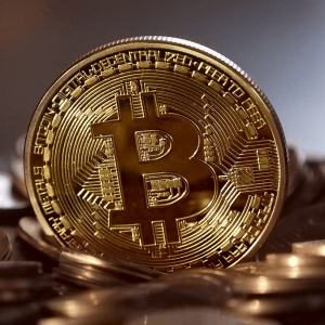 Bitcoin price begins to accumulate near $10100: what's next?