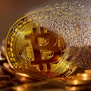 Glistening gold or borderless bitcoin – Which is better? The everlasting debate intensifies