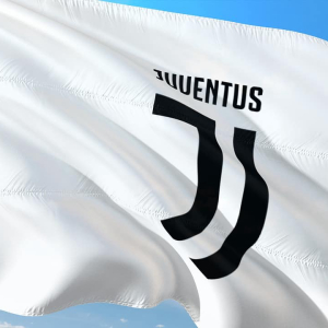 Juventus offers blockchain cards to soccer fans