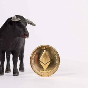 ETH price tethers closely above $230, will bears win?