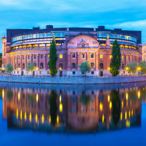 Sweden Central Bank DLT: A safe way for digital currency adoption?